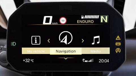 """Conectividad, incluida pantalla TFT a color de 6,5"""" (equipamiento opcional)"""