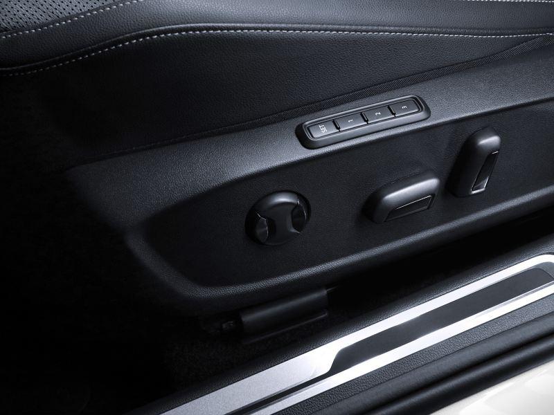 Asiento del conductor con ajuste eléctrico y memoria
